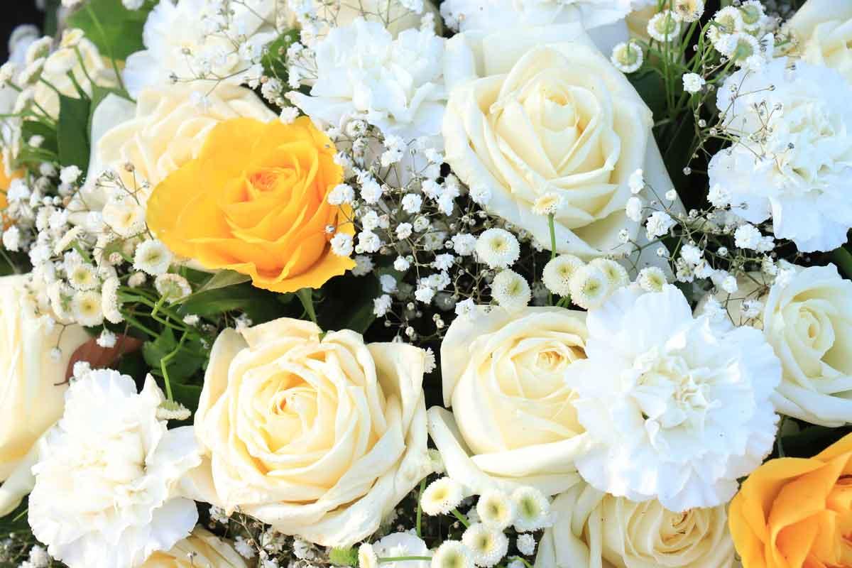 wedding bouquet with invasive baby's breath flowers